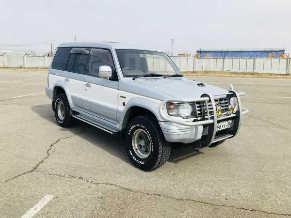 Mitsubishi Pajero, 1998 год, 555 000 руб.