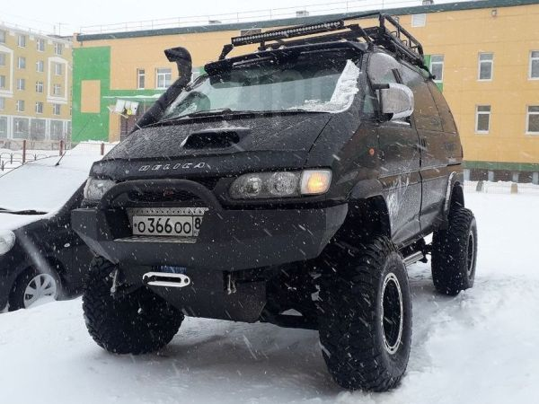 Mitsubishi Delica, 2001 год, 850 000 руб.
