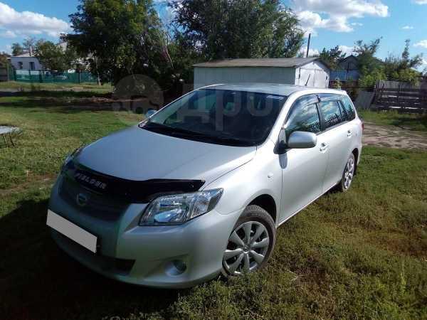 Toyota Corolla Fielder, 2012 год, 570 000 руб.