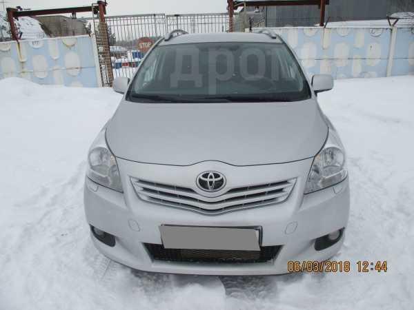 Toyota Verso, 2011 год, 820 000 руб.