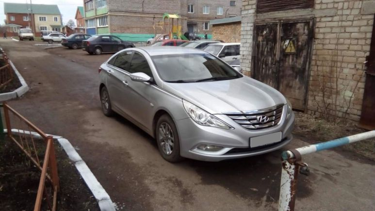 Hyundai Sonata, 2011 год, 687 000 руб.