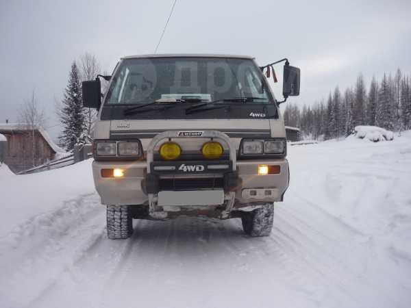 Mitsubishi Delica, 1989 год, 320 000 руб.