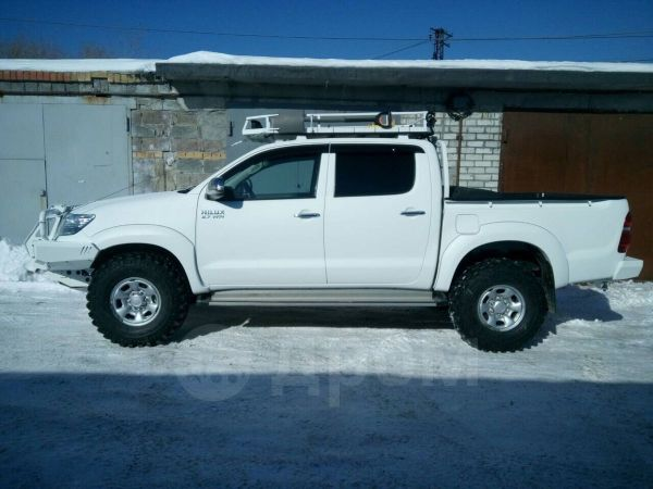 Toyota Hilux Pick Up, 2013 год, 2 000 000 руб.
