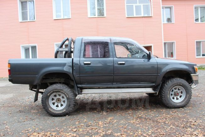 Toyota Hilux Pick Up, 1992 год, 650 000 руб.