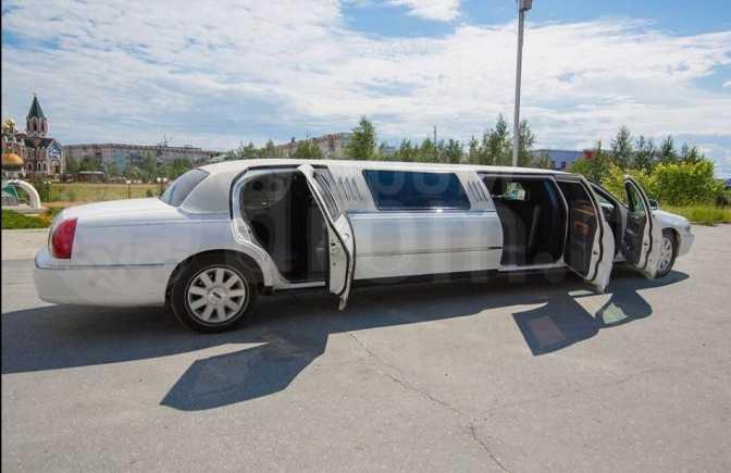 Lincoln Town Car, 2003 год, 390 000 руб.