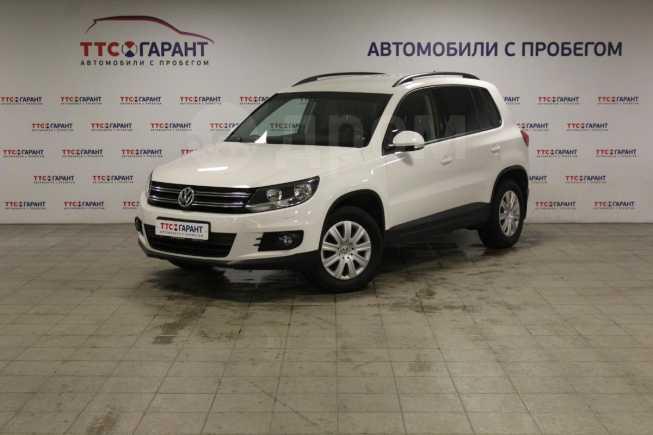Volkswagen Tiguan, 2011 год, 662 500 руб.
