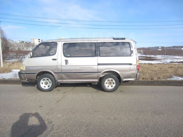 Toyota Hiace, 1996 год, 240 000 руб.