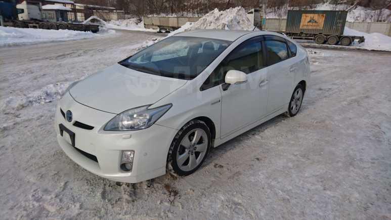 Toyota Prius, 2011 год, 845 000 руб.