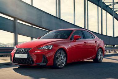 Lexus IS вновь будут продавать в РФ. Цена — 2,29 млн рублей