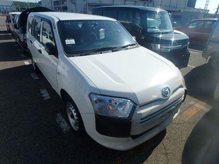 Toyota Succeed 2014 - отзыв владельца