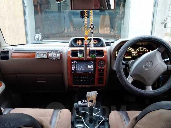 Toyota Land Cruiser Prado, 2001 год, 810 000 руб.
