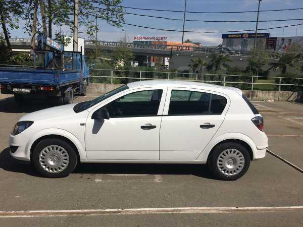 Opel Astra Family, 2012 год, 330 000 руб.