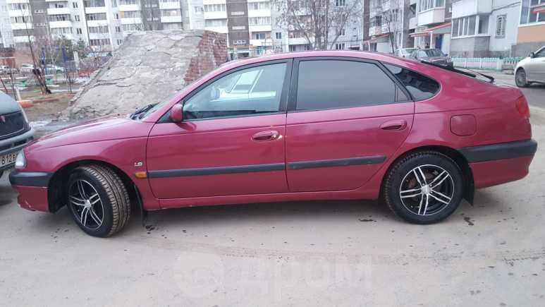 Toyota Avensis, 1998 год, 207 000 руб.