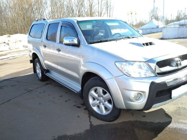 Toyota Hilux Pick Up, 2011 год, 1 360 000 руб.