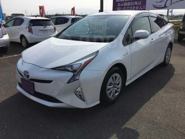 Toyota Prius, 2015 год, 770 000 руб.