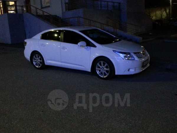Toyota Avensis, 2010 год, 675 000 руб.