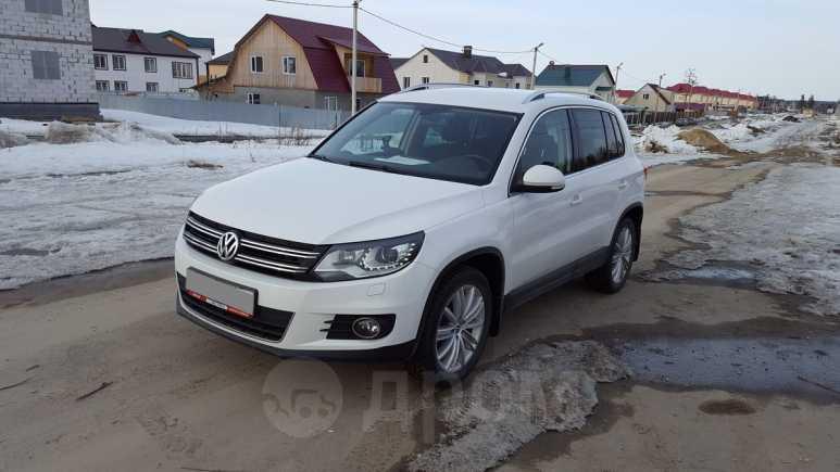 Volkswagen Tiguan, 2012 год, 865 000 руб.