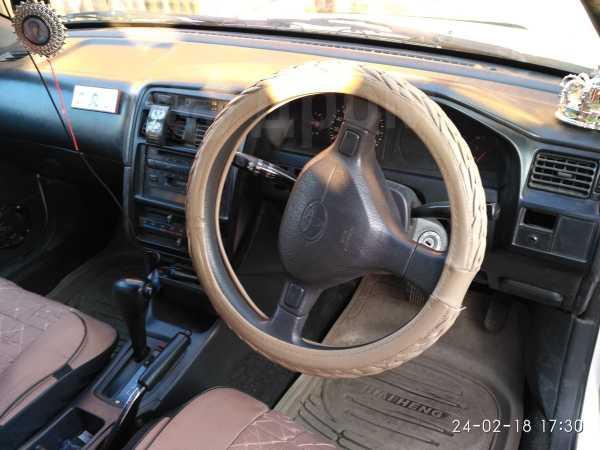 Toyota Caldina, 2000 год, 180 000 руб.