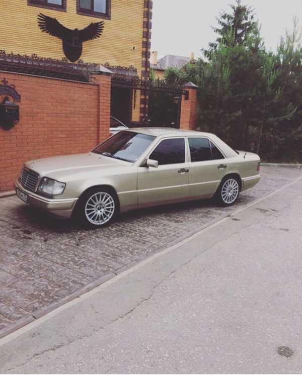 Mercedes-Benz E-Class, 1995 год, 145 000 руб.