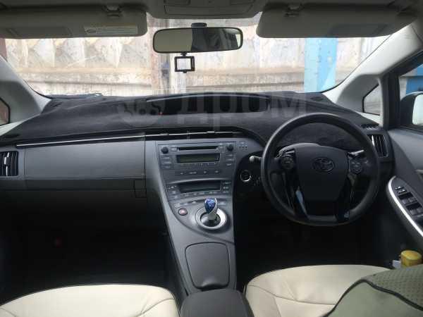 Toyota Prius, 2010 год, 679 000 руб.