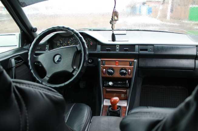 Mercedes-Benz E-Class, 1988 год, 140 000 руб.