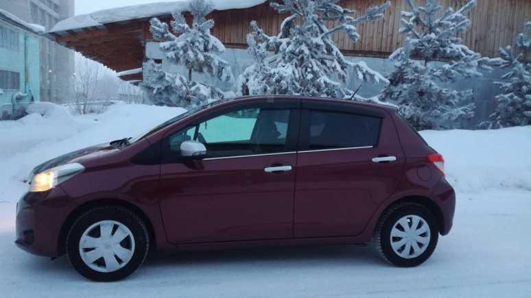 Toyota Vitz, 2011 год, 460 000 руб.