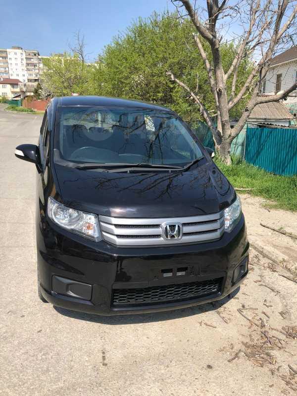 Honda Freed Spike, 2014 год, 635 000 руб.