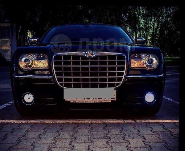 Chrysler 300C, 2004 год, 600 000 руб.