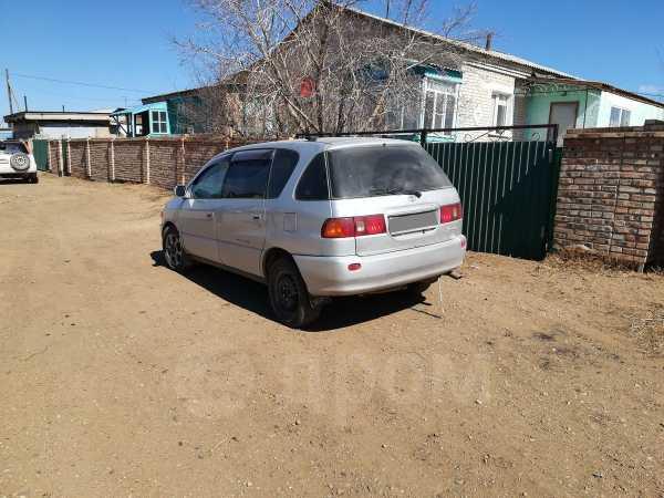 Toyota Ipsum, 1999 год, 335 000 руб.