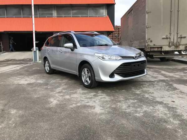 Toyota Corolla Fielder, 2015 год, 869 000 руб.