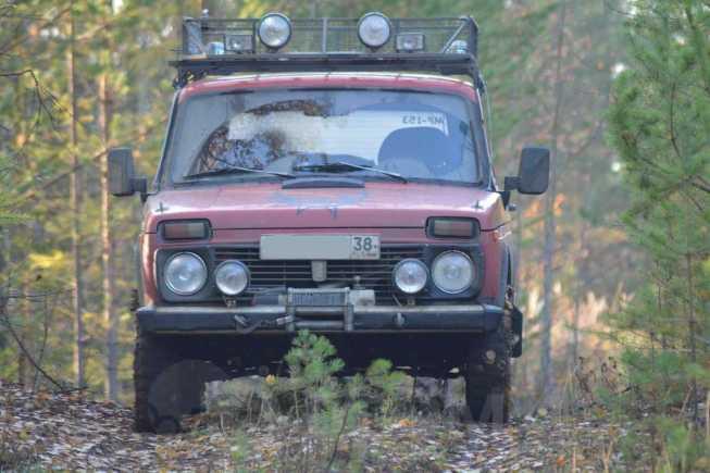 Лада 4x4 2121 Нива, 1988 год, 140 000 руб.