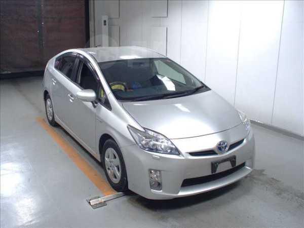 Toyota Prius, 2011 год, 699 000 руб.