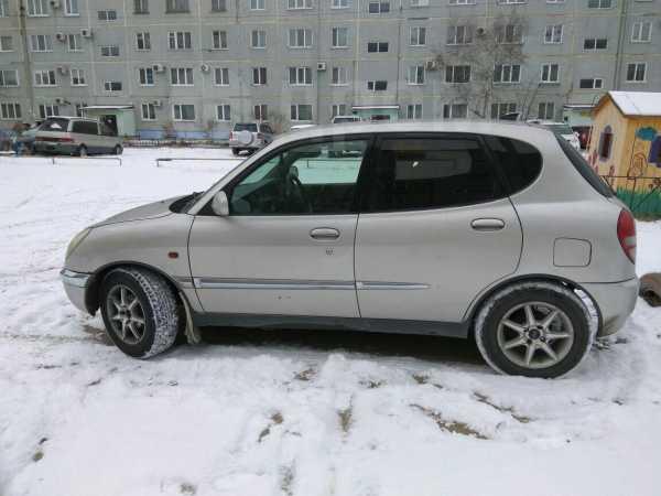 Toyota Duet, 2001 год, 129 999 руб.