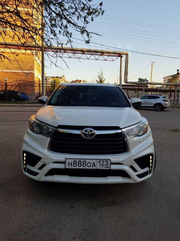 Toyota Highlander, 2014 год, 2 570 000 руб.
