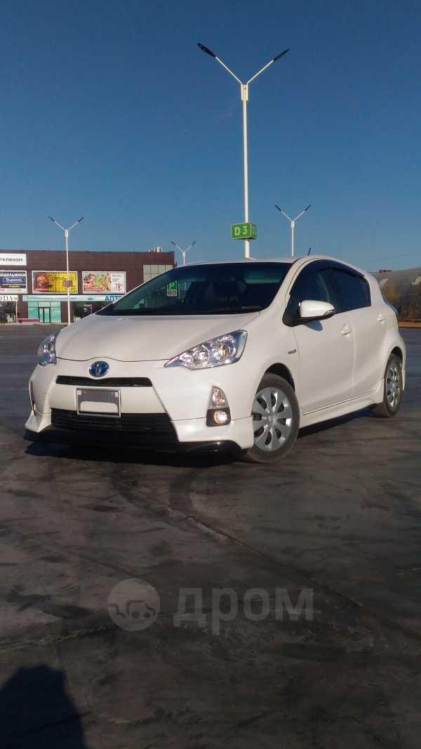 Toyota Aqua, 2012 год, 590 000 руб.