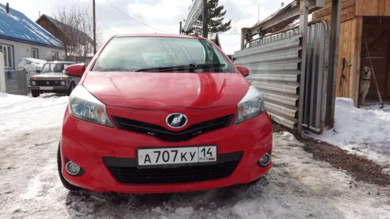 Toyota Vitz, 2012 год, 570 000 руб.