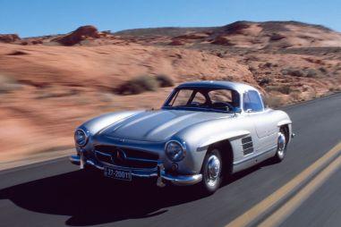 Mercedes-Benz решил выпускать запчасти для оригинального купе 300SL