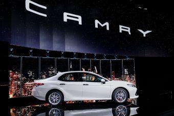 Запуск серийного производства новой Камри в РФ приурочили к 10-летию завода в Шушарах.