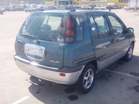 Toyota Raum 1997 - отзыв владельца