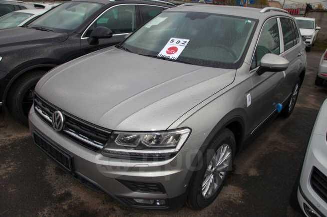 Volkswagen Tiguan, 2018 год, 1 968 300 руб.
