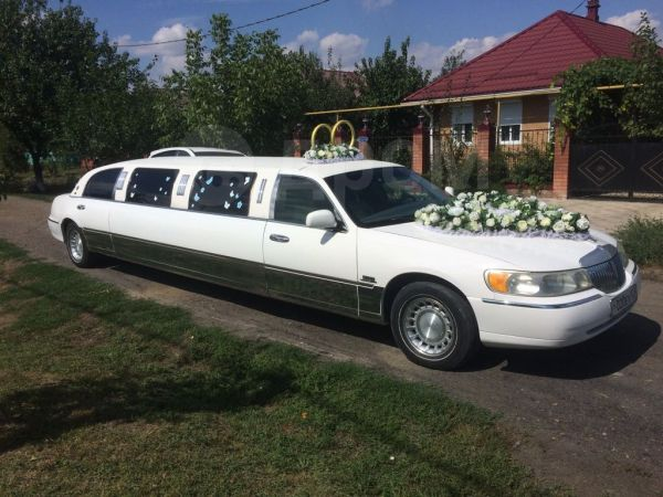 Lincoln Town Car, 2005 год, 500 000 руб.