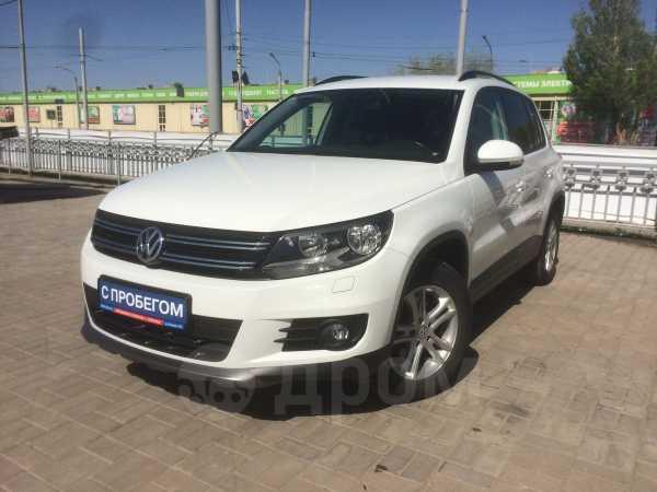 Volkswagen Tiguan, 2015 год, 919 900 руб.