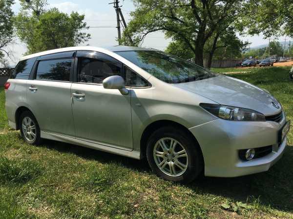 Toyota Wish, 2010 год, 730 000 руб.