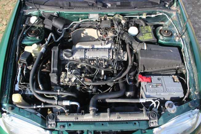 Mitsubishi Carisma, 1997 год, 155 000 руб.