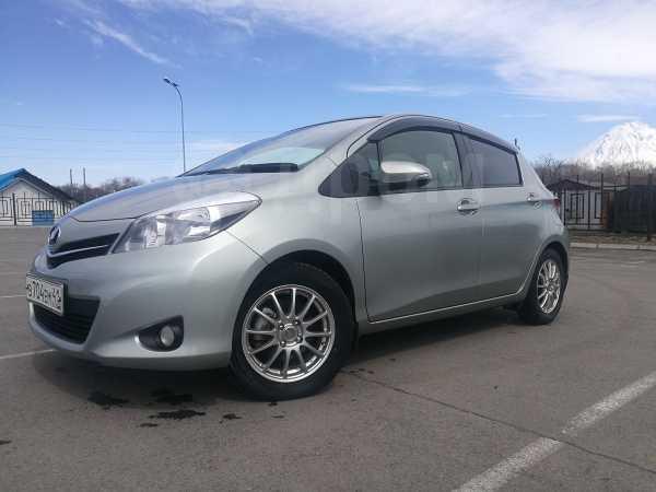 Toyota Vitz, 2013 год, 555 000 руб.