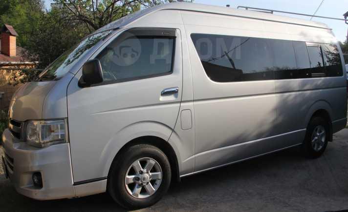 Toyota Hiace, 2012 год, 1 700 000 руб.