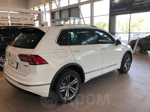 Volkswagen Tiguan, 2018 год, 2 195 000 руб.