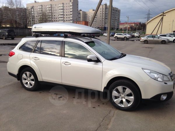 Subaru Outback, 2011 год, 750 000 руб.
