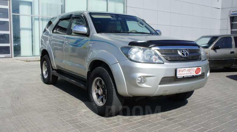 Toyota Fortuner, 2006 год, 960 000 руб.