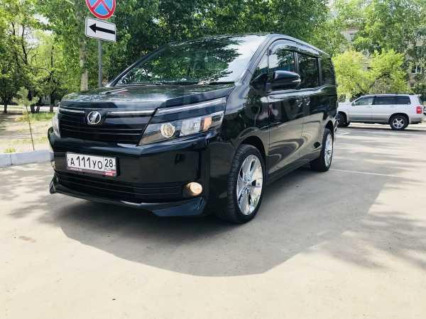 Toyota Voxy, 2015 год, 1 430 000 руб.